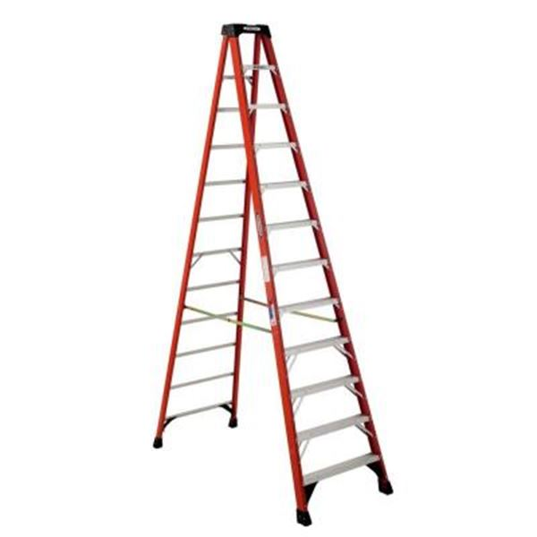 2015_12 ft Step Ladder